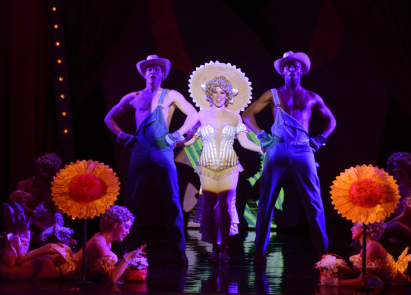 Lauren Weinberg as Miss Adelaide and the Cast of the National Tour of GUYS AND DOLLS (2)