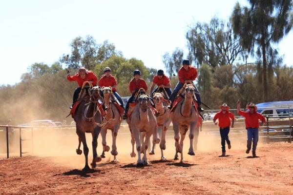 Uluru Camel Cup_DamienHill_003